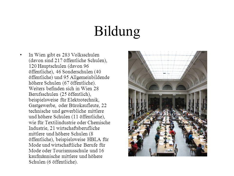 Die Religionszugehörigkeit der Wiener Wohnbevölkerung setzt sich laut Volkszählung 2001 wie folgt zusammen: Rudolf von Alt: Stephansdom vom Stock-im-Eisen-Platz römisch-katholisch: 49,2 % ohne Bekenntnis: 25,6 % islamisch: 7,8 % orthodox: 6,0 % evangelisch: 4,7 % jüdisch: 0,5 % altkatholisch: 0,5 % Sonstige bzw.
