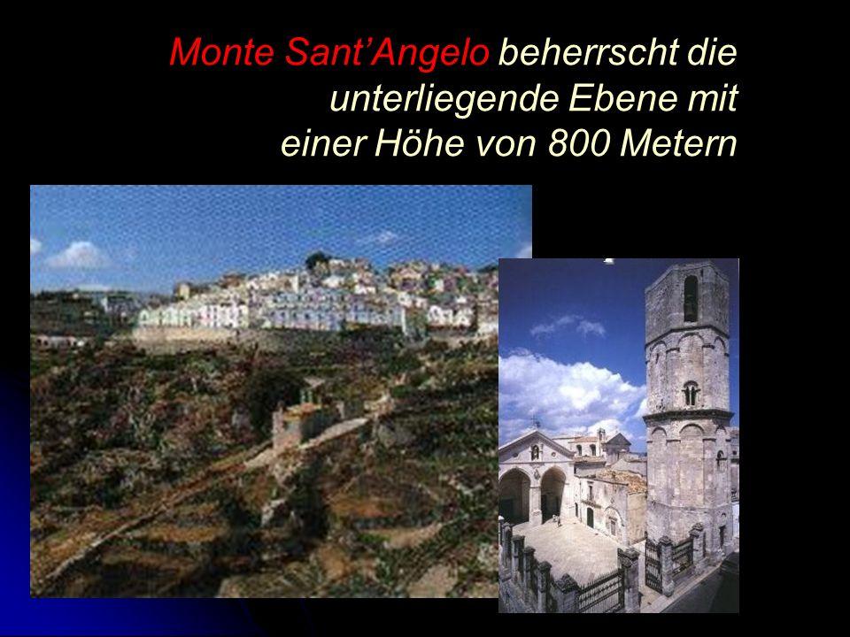 Monte SantAngelo beherrscht die unterliegende Ebene mit einer Höhe von 800 Metern