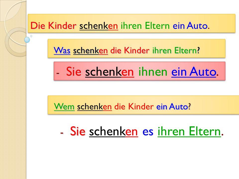 Die Kinder Die Kinder schenken ihren Eltern ein Auto.
