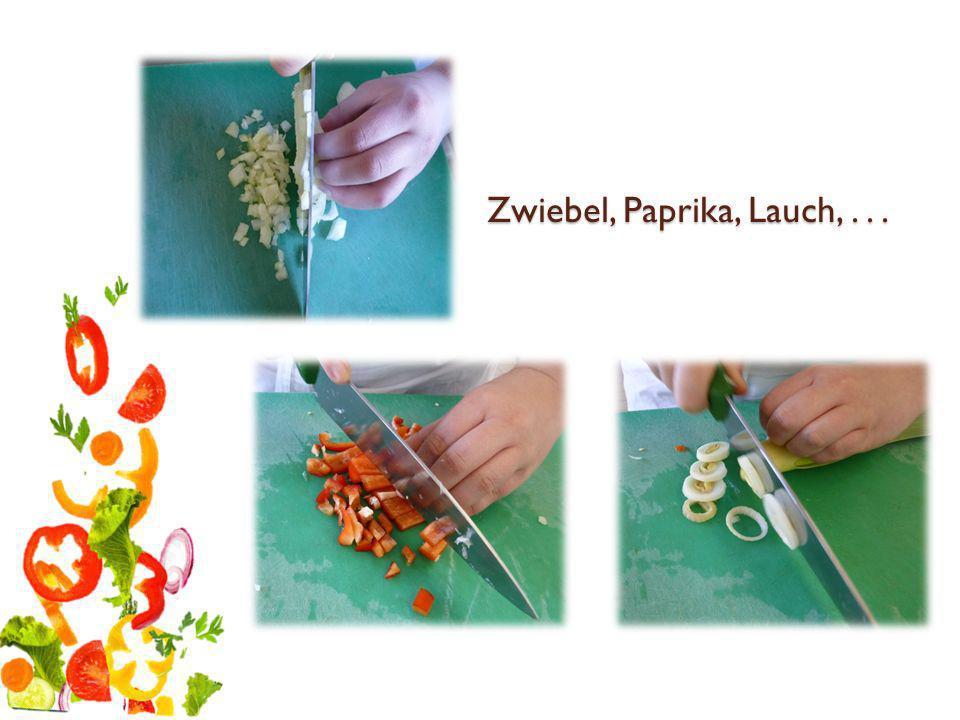 Zucchini, Sellerie und Champignons klein schneiden