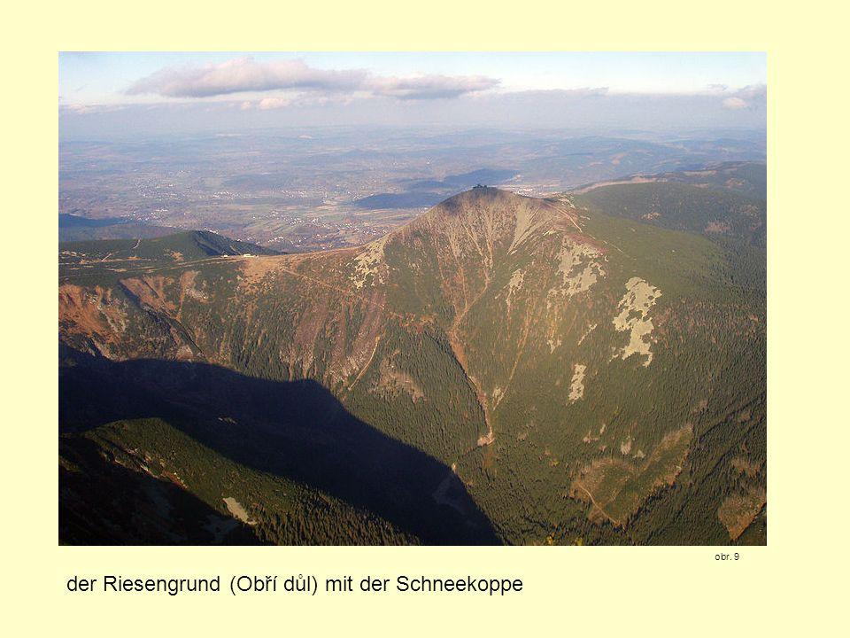 der Riesengrund (Obří důl) mit der Schneekoppe obr. 9