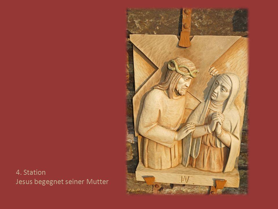 4. Station Jesus begegnet seiner Mutter