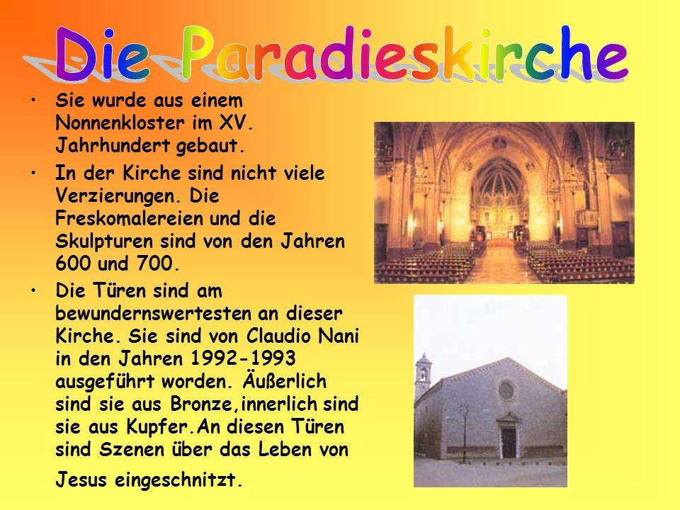 Sie wurde aus einem Nonnenkloster im XV. Jahrhundert gebaut. In der Kirche sind nicht viele Verzierungen. Die Freskomalereien und die Skulpturen sind