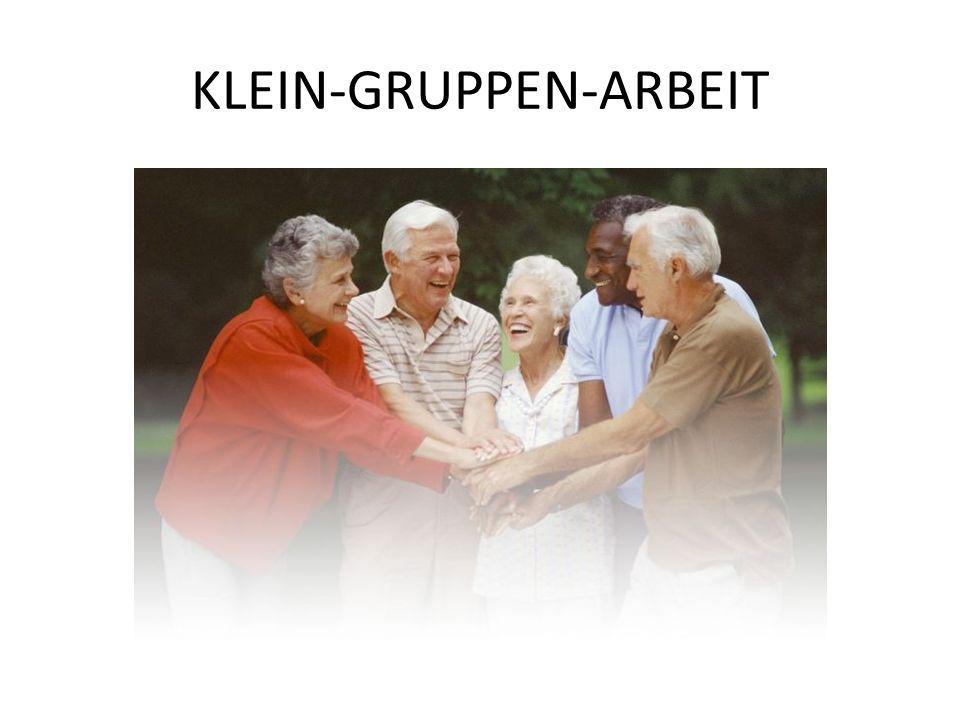 KLEIN-GRUPPEN-ARBEIT