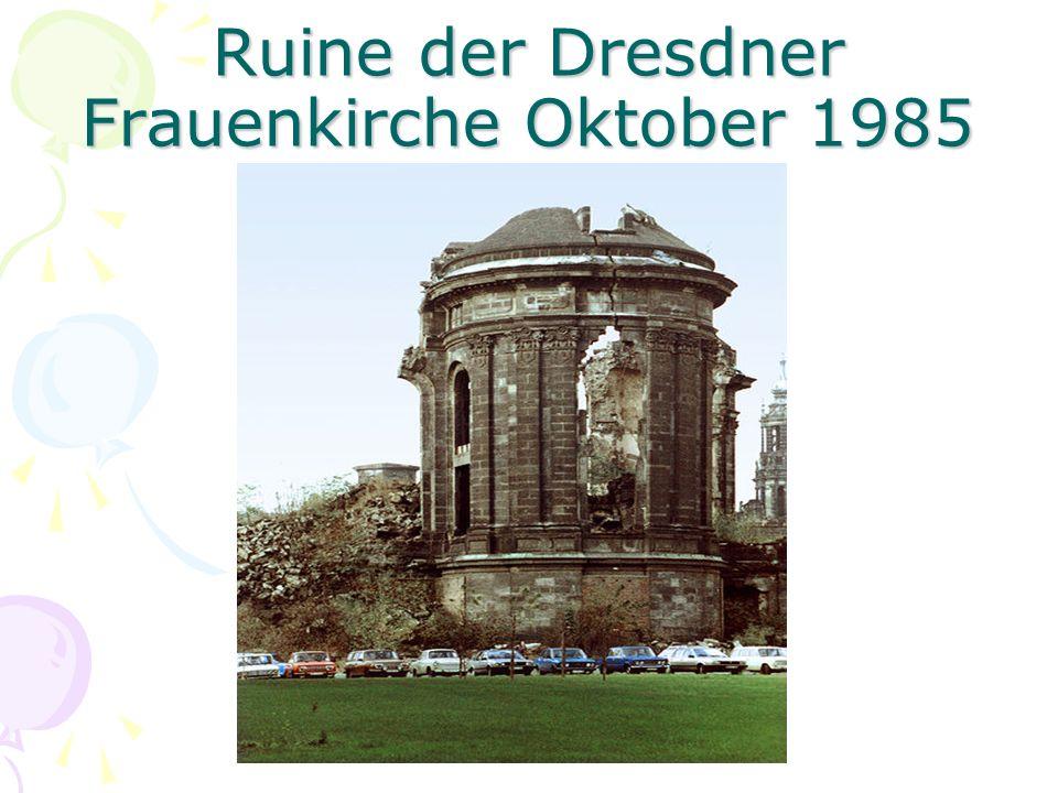 Ruine der Dresdner Frauenkirche Oktober 1985