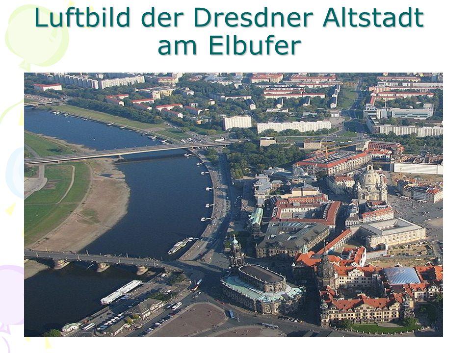 Luftbild der Dresdner Altstadt am Elbufer