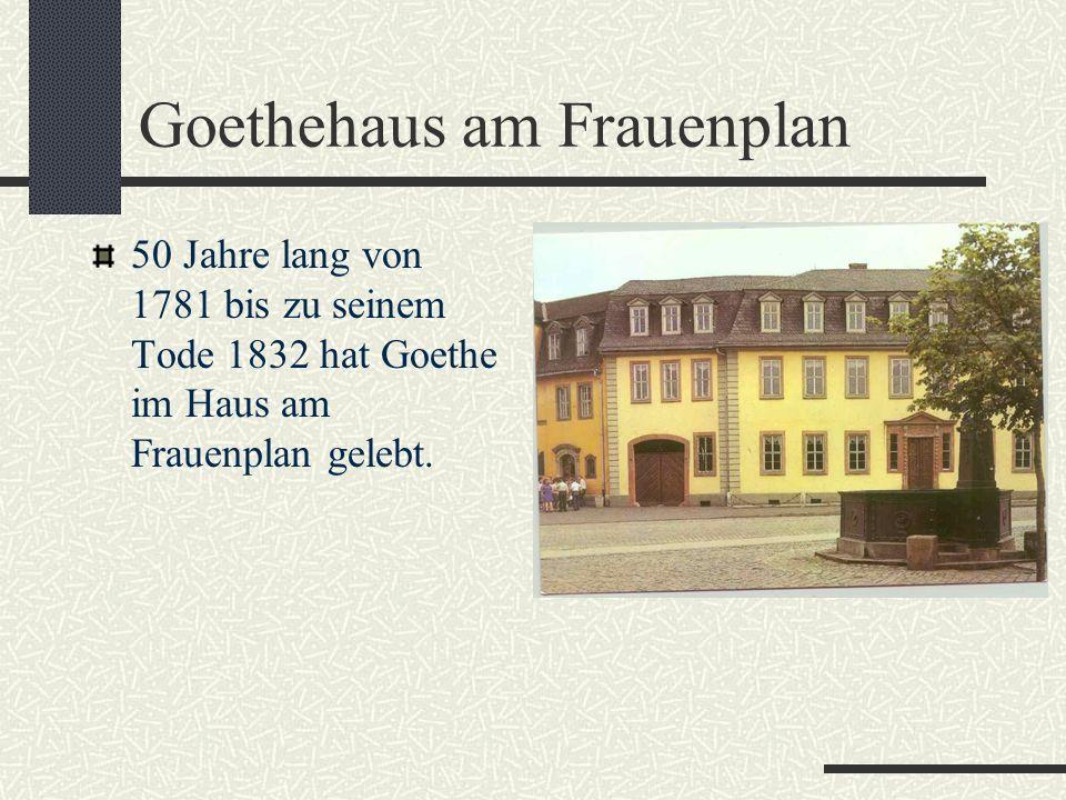 Goethes Schreibpult mit Sitzbock.