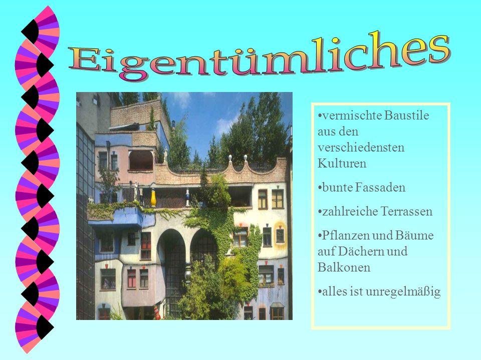 ve vermischte Baustile aus den verschiedensten Kulturen bunte Fassaden zahlreiche Terrassen Pflanzen und Bäume auf Dächern und Balkonen alles ist unregelmäßig