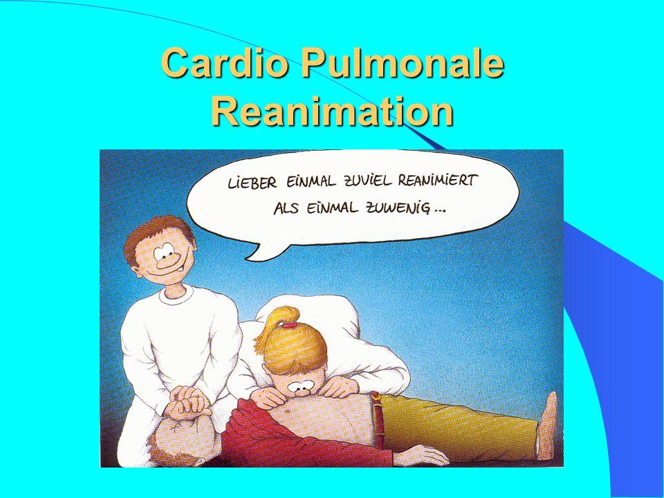 B – Atmung prüfen Methoden zur Überprüfung der Atmung Sehen (Heben und Senken des Brust- korbes Hören (Atemge- räusche im Ohr) Fühlen (Atemzug an der Wange und Ohr, Hand auf dem Ober- bauch