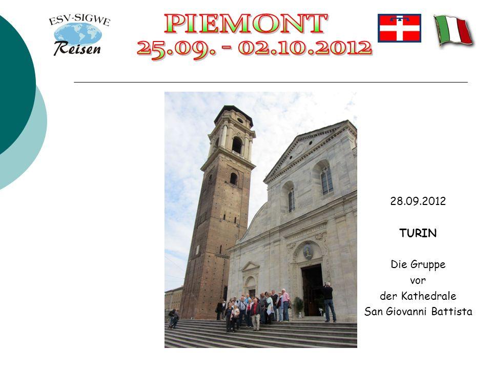28.09.2012 TURIN Die Gruppe vor der Kathedrale San Giovanni Battista