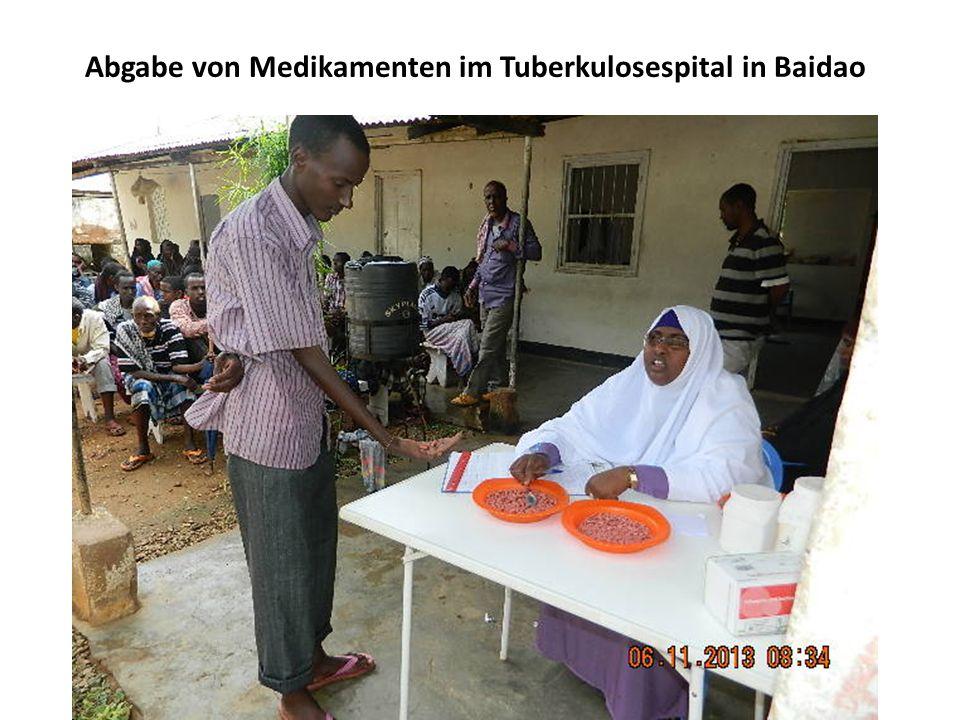 Abgabe von Medikamenten im Tuberkulosespital in Baidao
