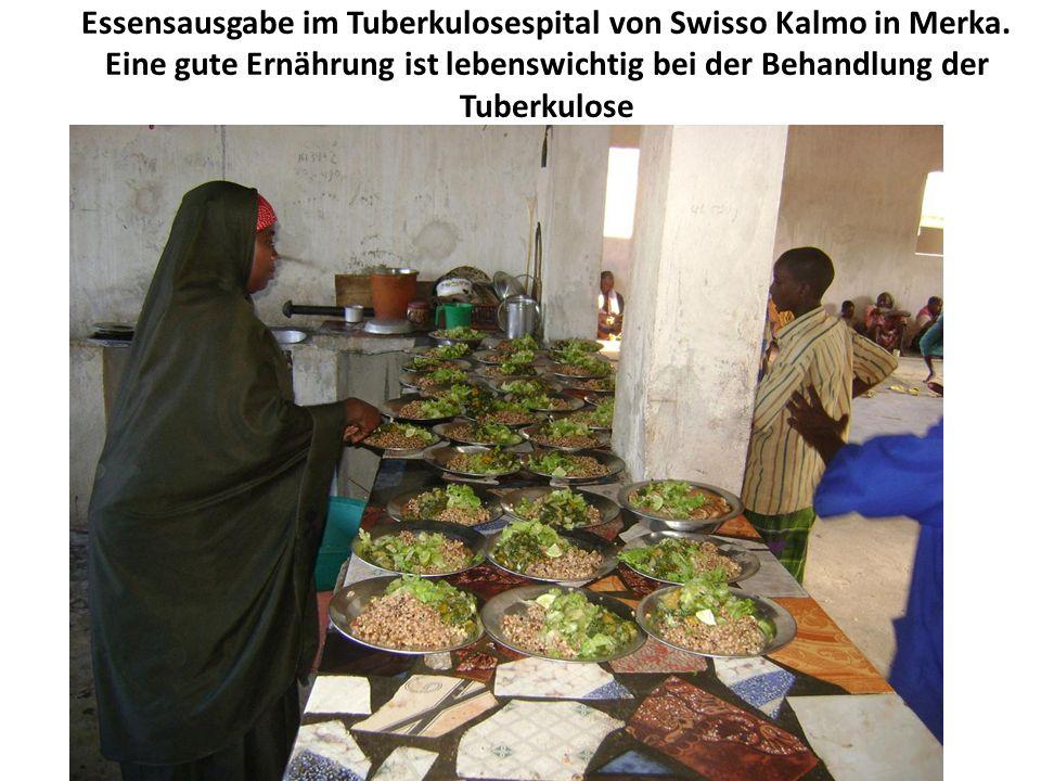 Essensausgabe im Tuberkulosespital von Swisso Kalmo in Merka.