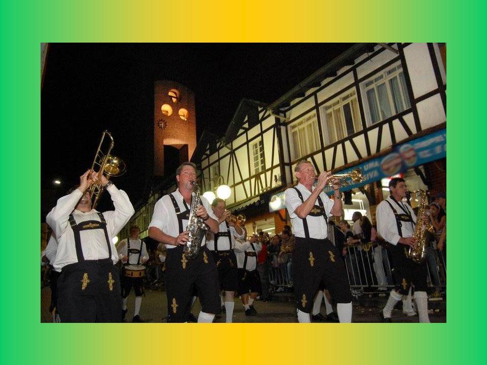 ... Eine echte Demonstration der germanischen Kultur in Blumenau... Oktoberfest Blumenau-SC