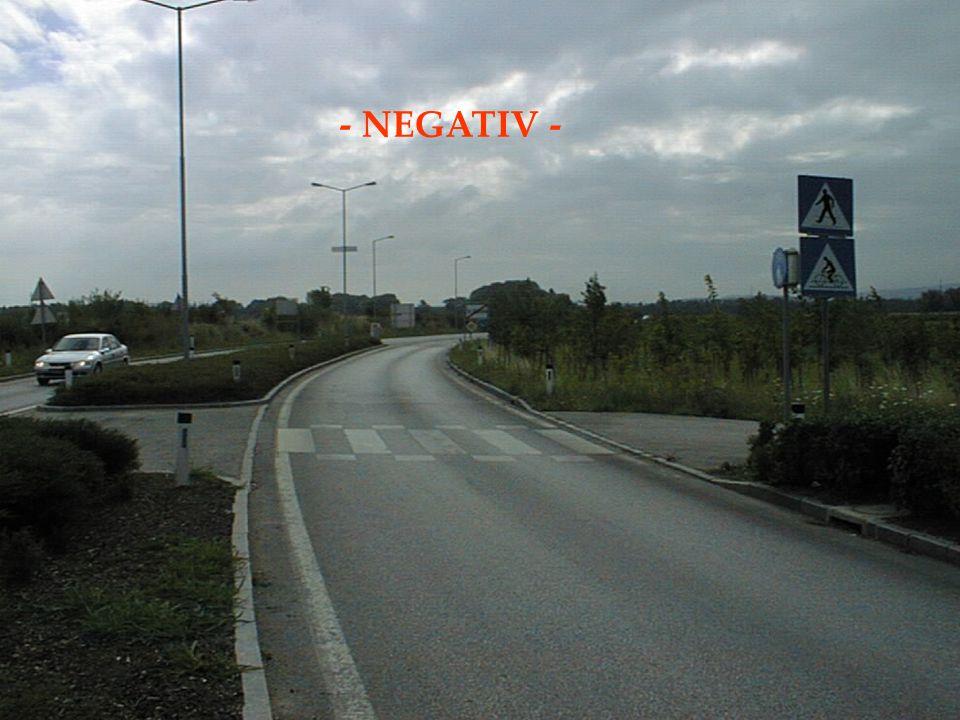 Problem: Radfahrerüberfahrt (StVO) Derzeitige Beschränkung von 10km/h für das Befahren der gesamten Radfahrerüberfahrt Änderungsvorschlag: 10km/h-Beschränkung für die Annäherung