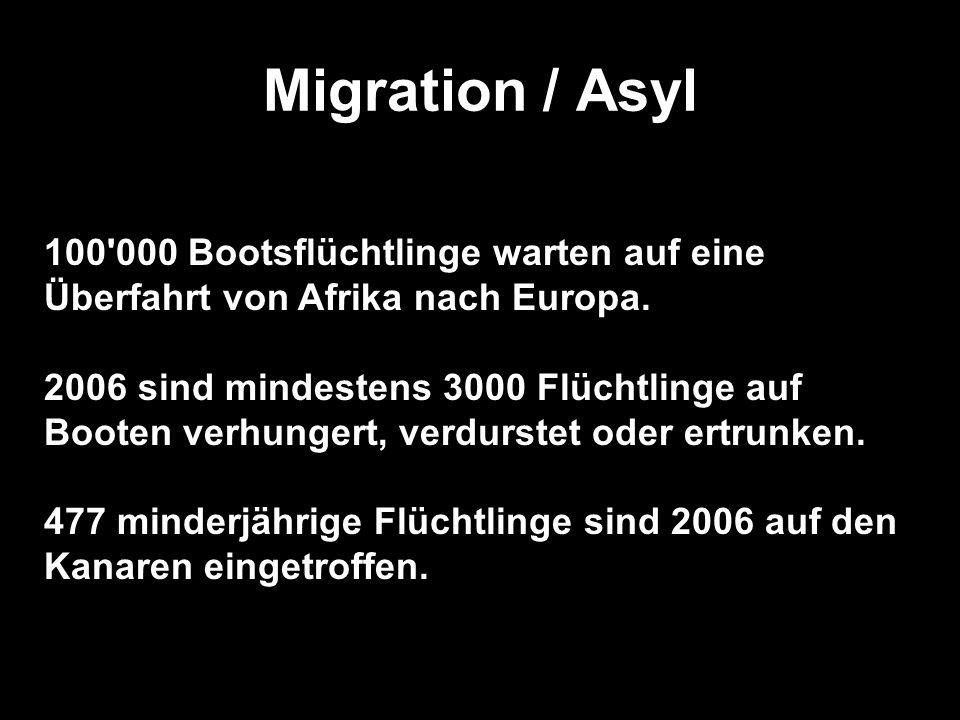 Migration / Asyl (Folie) 100 000 Bootsflüchtlinge warten auf eine Überfahrt von Afrika nach Europa.