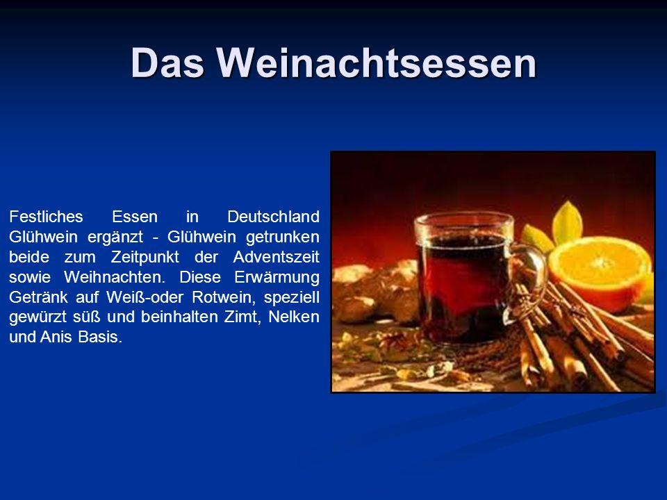 Das Weinachtsessen Festliches Essen in Deutschland Glühwein ergänzt - Glühwein getrunken beide zum Zeitpunkt der Adventszeit sowie Weihnachten.