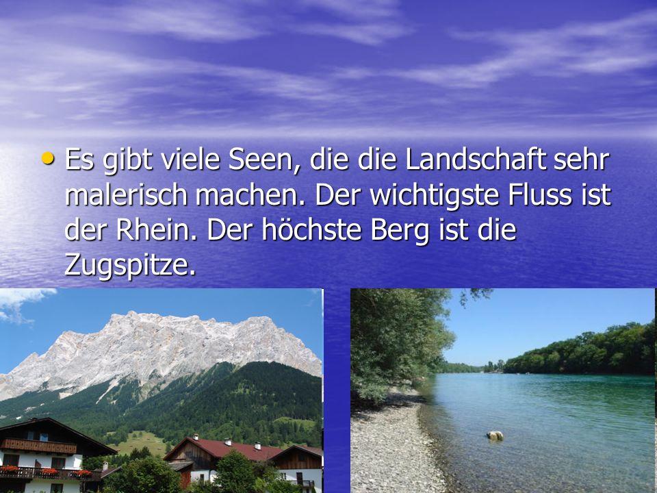 Es gibt viele Seen, die die Landschaft sehr malerisch machen.