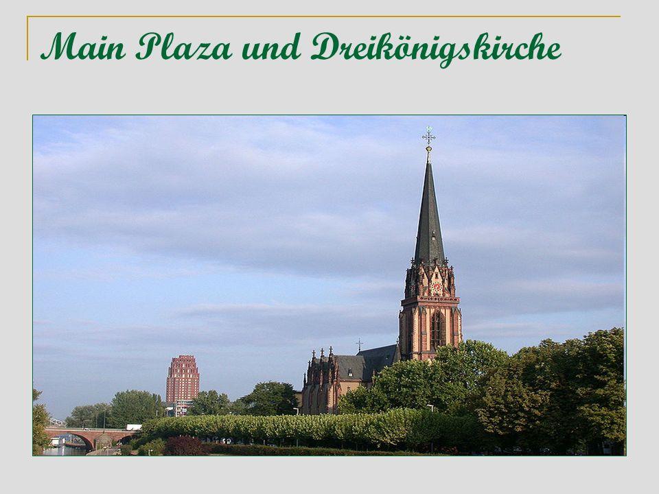 Main Plaza und Dreikönigskirche