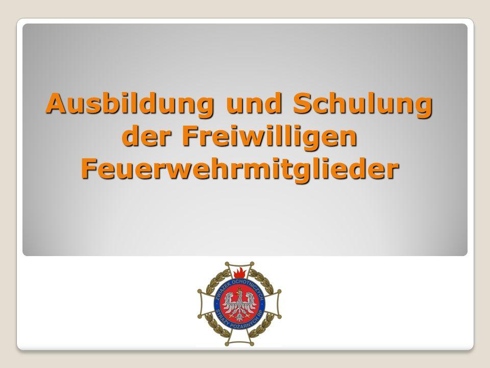 Im Verband der Freiwiligen Feuerwehr Polens gibt es 16.445 FFV - Einheiten mit 695.758 Mitgliedern 429.370 aktive Mitglieder im Alter von 18 bis 60, die direkt an Loesch –Rettungs Einsaetzen teilnehmen, 429.370 aktive Mitglieder im Alter von 18 bis 60, die direkt an Loesch –Rettungs Einsaetzen teilnehmen, Hilfsmitglieder – 95.107, Hilfsmitglieder – 95.107, Ehrenamtliche Mitglieder – 43.994, Ehrenamtliche Mitglieder – 43.994, Frauen - Einheiten – 36.981, Frauen - Einheiten – 36.981, JF Mitglieder – 92.168.