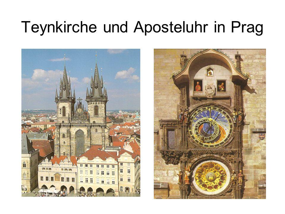 Teynkirche und Aposteluhr in Prag