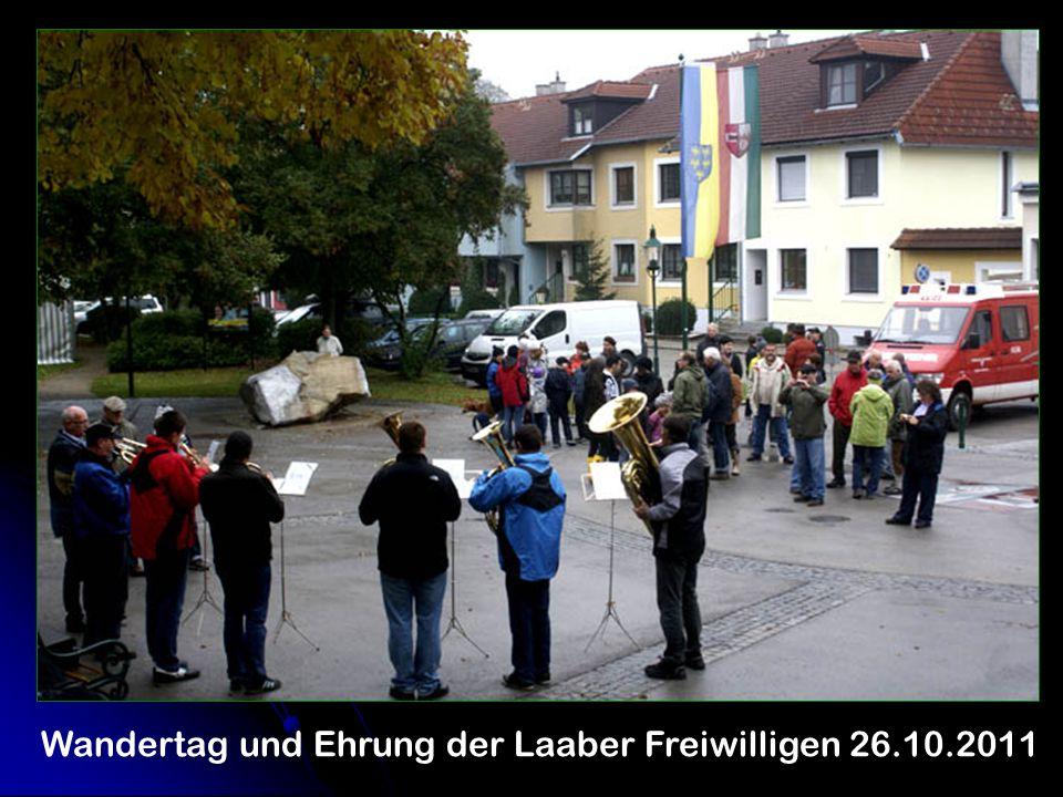 Wandertag und Ehrung der Laaber Freiwilligen 26.10.2011