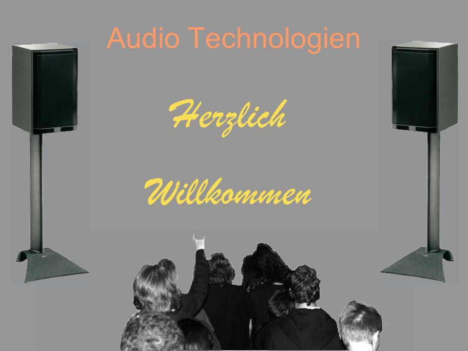 Audio Technologien Schall GeschichteEinflussHardwareSoftwareBeschallung Aufbau eines Tonstudios Besteht meistens aus zwei Räumen (Regieraum und Aufnahmeraum) Optimal - weitere kleine Räume für AMPs Alle Räume müssen mit akustisch-dämpfenden Raumelementen bestückt sein Von Instrument auf DA-Box, dann auf AMP über Mikrofon in Regieraum Im Regieraum befinden sich Abhörmonitore für den Tontechniker Signale werden mit Mischpulten lauter oder leiser gestellt Frequenzen werden auf das Gesamttonbild mit Equalizer abgestimmt (Entzerrung)