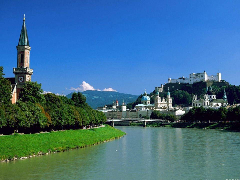 MIRABELL Das Schloss Mirabell in Salzburg in Österreich gehört aufgrund seiner Gärten zu den bekanntesten Touristenzielen der Stadt.
