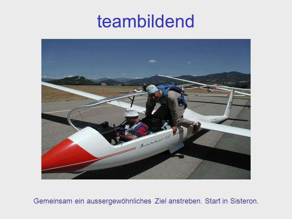 teambildend Gemeinsam ein aussergewöhnliches Ziel anstreben. Start in Sisteron.