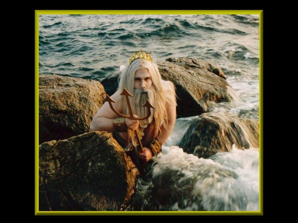 Er war Herr der Erdentiefe, der Erdhalter und Erderschütterer, der mit seinem Dreizack - ein Geschenk der Kyklopen - Erdbeben und Stürme erregte.