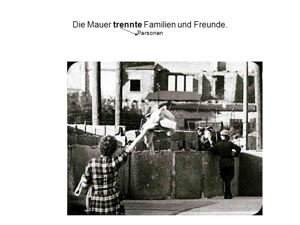 Viele Menschen versuchen, aus der DDR zu fliehen.