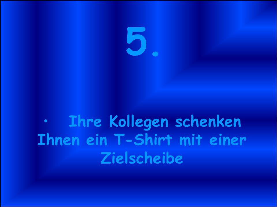 4. An Ihrer Bürotür sind zwei Nullen angebracht