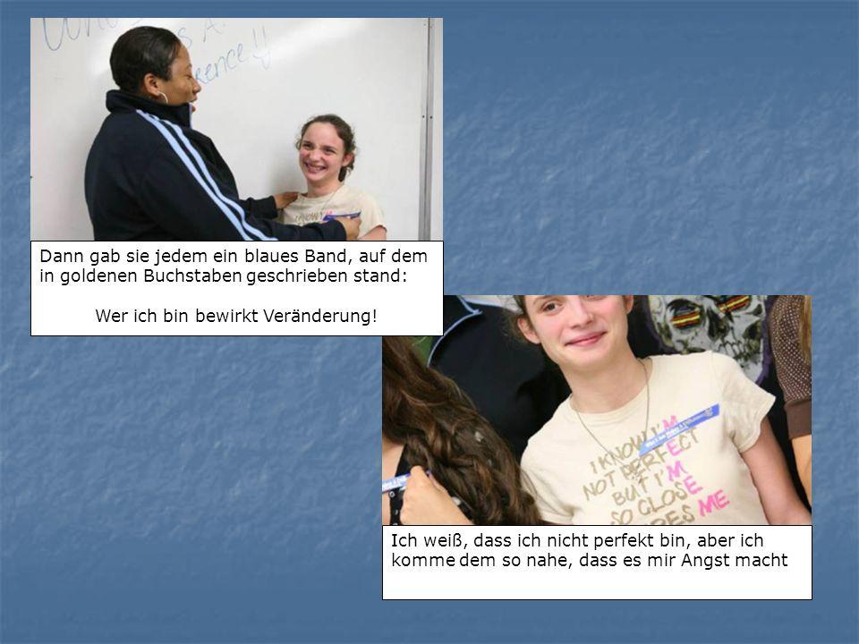 Anschließend beschloss die Lehrerin ein Klassenprojekt zu starten, um zu sehen, wie Anerkennung Einfluss auf die Gemeinschaft haben kann.