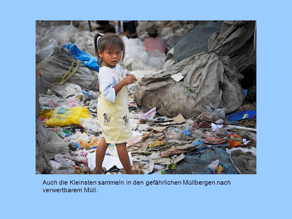 Auch die Kleinsten sammeln in den gefährlichen Müllbergen nach verwertbarem Müll.