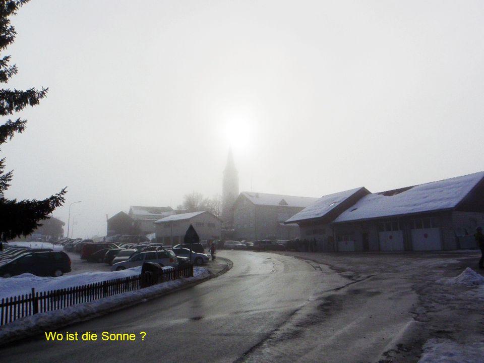 Wieder im Dorf: Fast freie Sicht Richtung Gamplüt - Schafberg