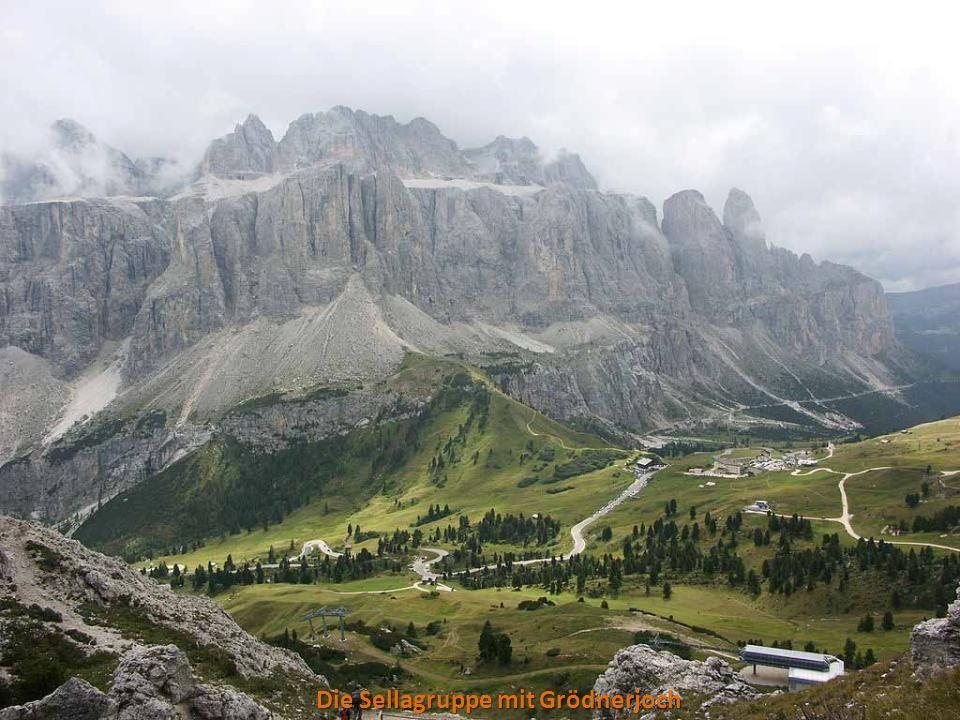 Schlern mit Weiher Der Schlern, Wahrzeichen Südtirols