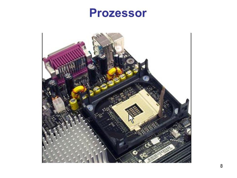 9 Einzel- und Mehrkernprozessoren Moderne PC verfügen heute über mehr als nur einen Prozessorkern Core-2-Duo-Prozessoren lösen die Single- Prozessoren ab Intel Core-2-Quad-Prozessoren verfügen über vier Prozessorkerne und übertreffen die Vorteile der Dualcore-Technologie noch einmal