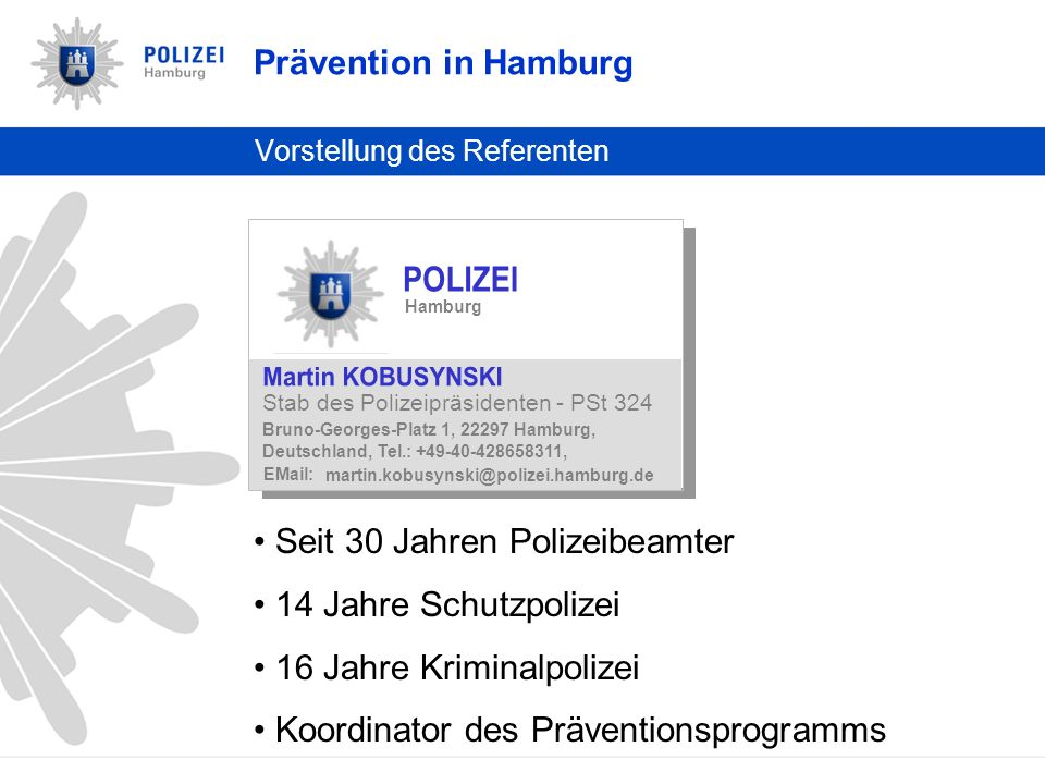Die Bundesländer im Vergleich (1) Föderales System Polizei und Schule sind Ländersache Unterschiedliche Verfahrensweisen Prävention in Hamburg Hamburger Modell Präventions- programm Cop4U Meldebogen Kooperation im Alltag Vergleich der Bundesländer