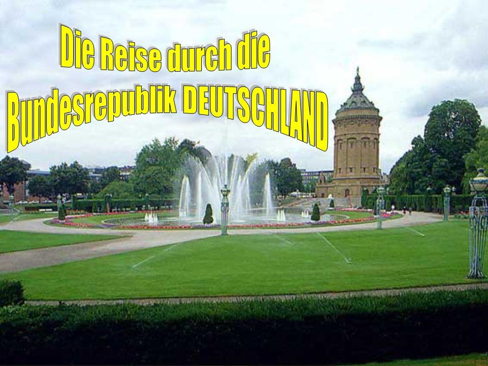 Alex Der Alexanderplatz – ihr wißt, daß er seinen Namen dem russischen Zaren Alexander dem Ersten zu Ehren bekommen hat.