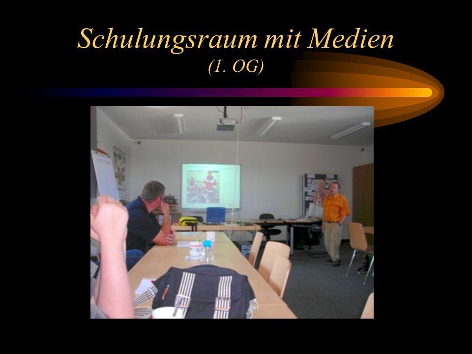 Schulungsraum mit Medien (1. OG)