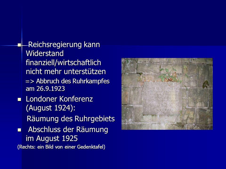 Hitler Putsch Adolf Hitler: Vorsitzender der NSDAP Adolf Hitler: Vorsitzender der NSDAP (Nationalsozialistische Deutsche Arbeiterpartei) (Nationalsozialistische Deutsche Arbeiterpartei) wurde zum politischen Führer des deutschen Kampfbundes gewählt (Sturmabteilung und bewaffnete Einwohnerwehren) wurde zum politischen Führer des deutschen Kampfbundes gewählt (Sturmabteilung und bewaffnete Einwohnerwehren) Gustav Ritter von Kahr schloss Hitler vom Marsch nach Berlin aus und schob ihn ins politische Abseits Gustav Ritter von Kahr schloss Hitler vom Marsch nach Berlin aus und schob ihn ins politische Abseits => Signal zum Kampf gegen die Jüdische/marxistische => Signal zum Kampf gegen die Jüdische/marxistische Brut in Berlin am 8.11.1923 Brut in Berlin am 8.11.1923