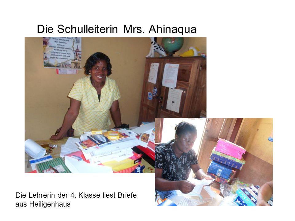Die Schulleiterin Mrs. Ahinaqua Die Lehrerin der 4. Klasse liest Briefe aus Heiligenhaus