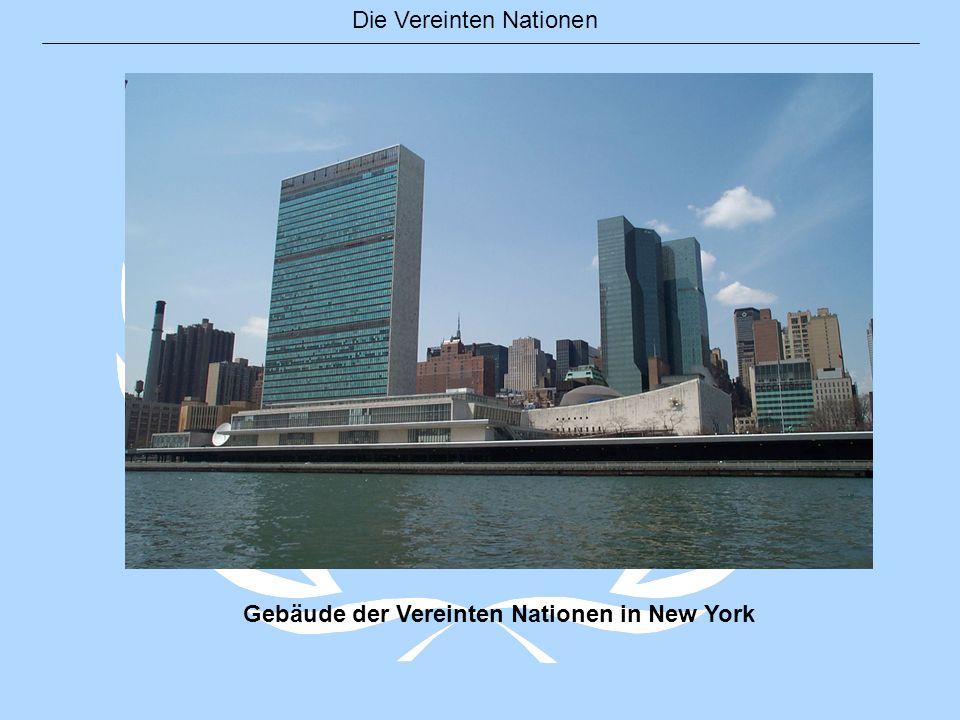 Die Vereinten Nationen UN-Gebäude Knotted Gun (Verknotete Waffe) Ein Geschenk Luxemburgs an die UN im Jahre 1988.