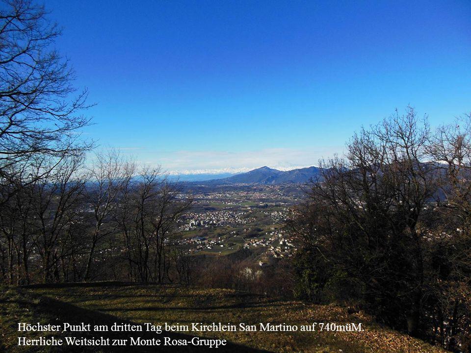 Höchster Punkt am dritten Tag beim Kirchlein San Martino auf 740müM. Herrliche Weitsicht zur Monte Rosa-Gruppe