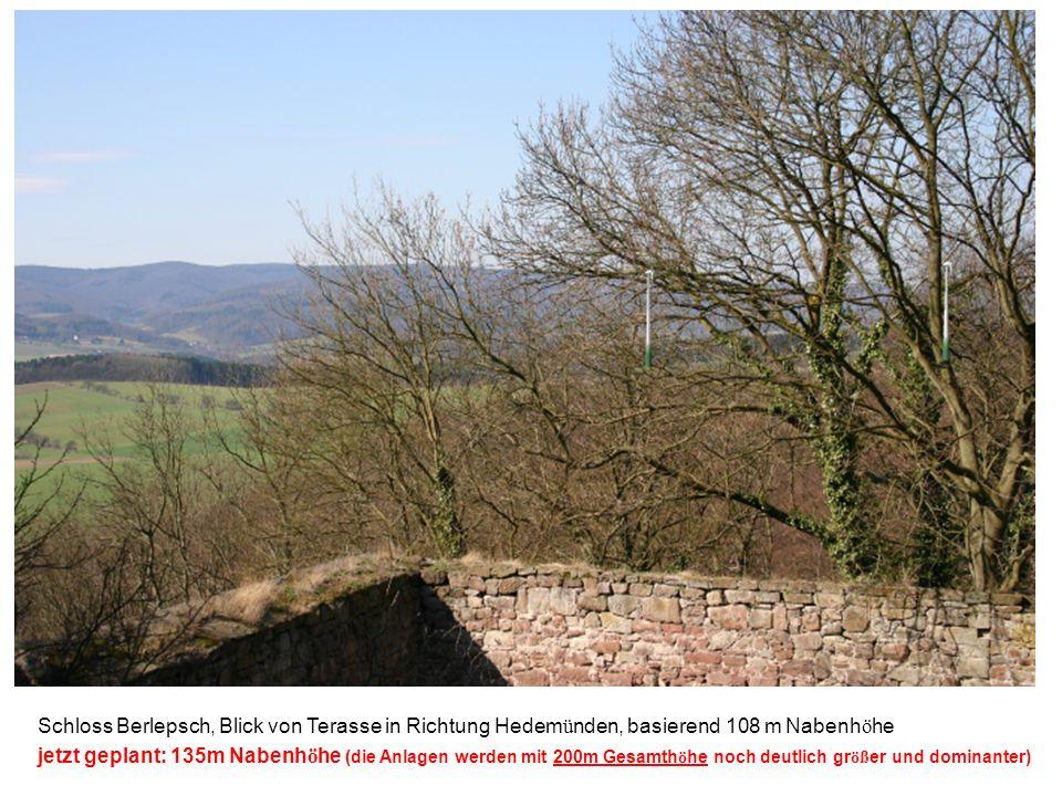 Schloss Berlepsch, Blick von Terasse in Richtung Hedem ü nden, basierend 108 m Nabenh ö he jetzt geplant: 135m Nabenh ö he (die Anlagen werden mit 200