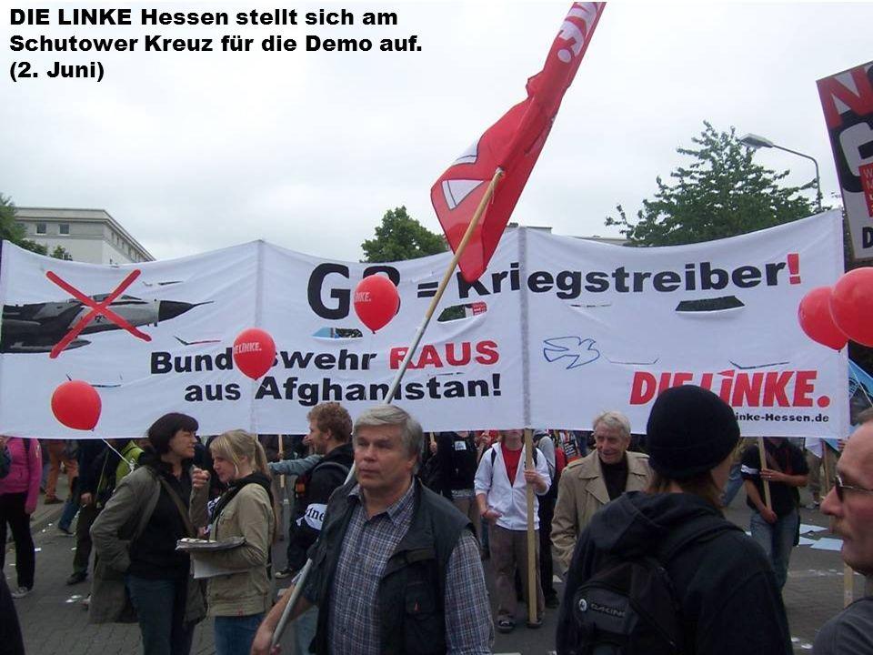 DIE LINKE Hessen stellt sich am Schutower Kreuz für die Demo auf. (2. Juni)