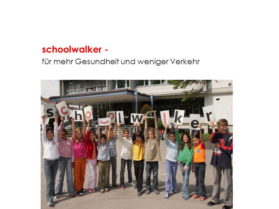 Situation Mobilität zur Schule: Immer mehr Kinder im Volksschulalter legen einen größer werdenden Anteil ihrer Wege als Mitfahrer in einem Pkw zurück - auch auf dem Schulweg.