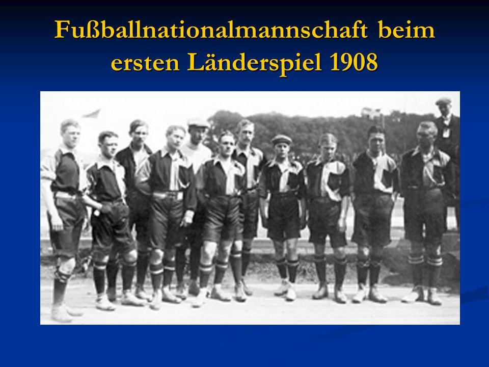 Fußballnationalmannschaft beim ersten Länderspiel 1908