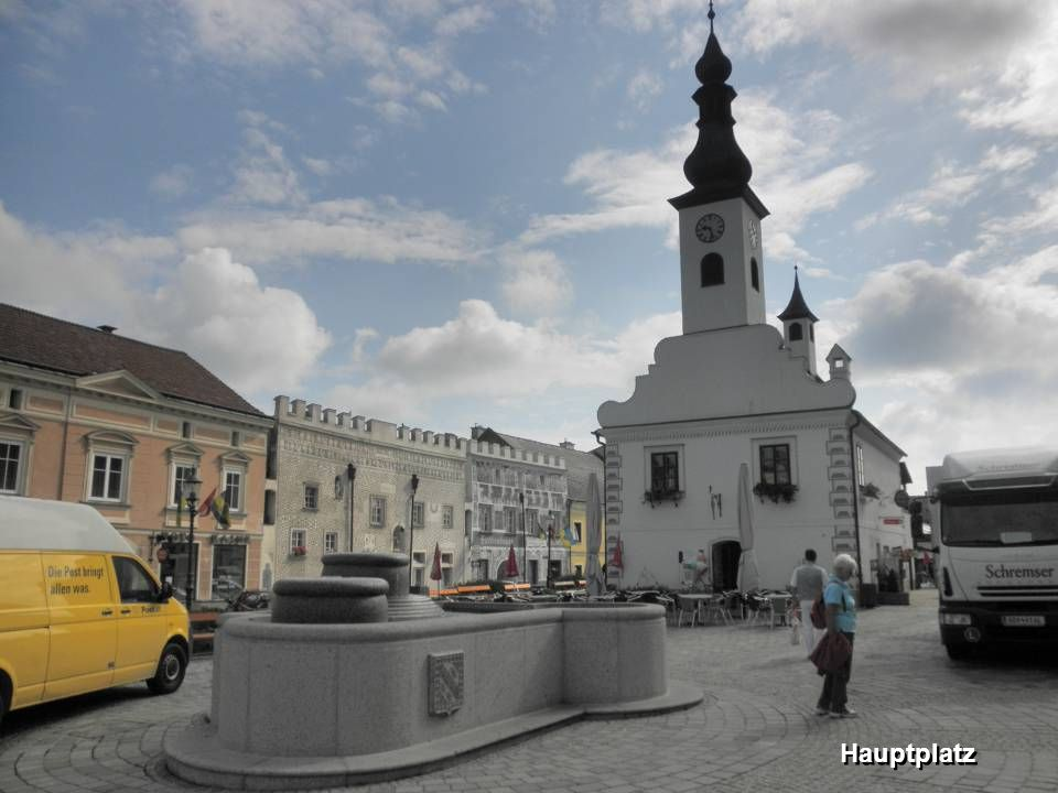 aus zwei Ortsteilen (Gmünd und Gmünd-Neustadt) bestehend, ist die Hauptstadt des Bezirkes im nordwestlichen Waldviertel und das wirtschaftliche, kultu