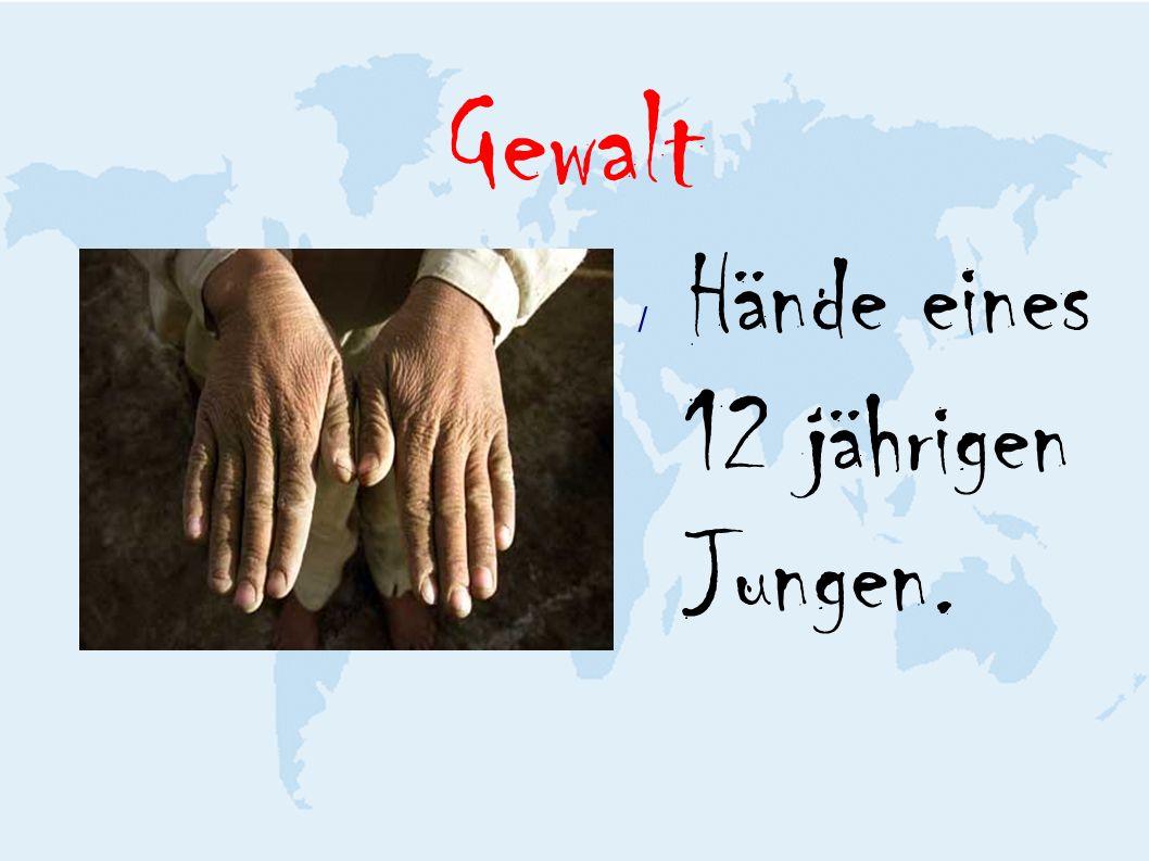 Gewalt / Hände eines 12 jährigen Jungen.