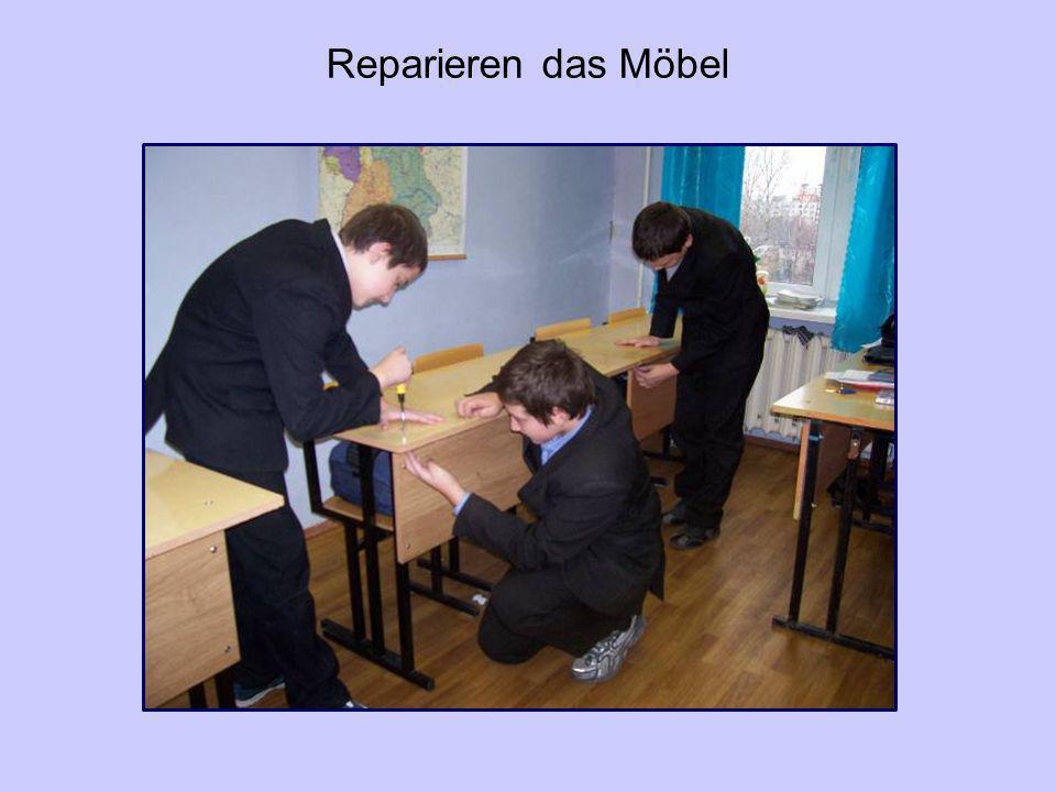 Reparieren das Möbel
